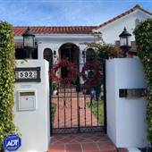 Larchmont Village Spanish Bungalow Single Family Home near Production Studios of Hollywood