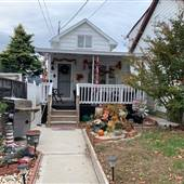 Detached 2 story home in Staten Island