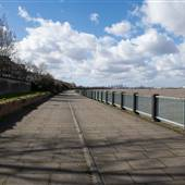 Thamesmead - Thames Path