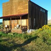 Bryce Valley Quirky Cabin