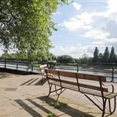 Bishops Park - River Walk / Thames Path
