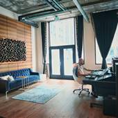 Downtown live/work luxury yet cozy loft recording studio