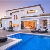 Hollywood Stunning House