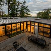 Stylish Mid Century w/NYC and forest views