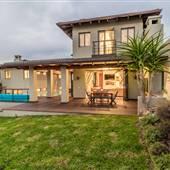 Contemporary 4B4B Villa in Hollywood Hills