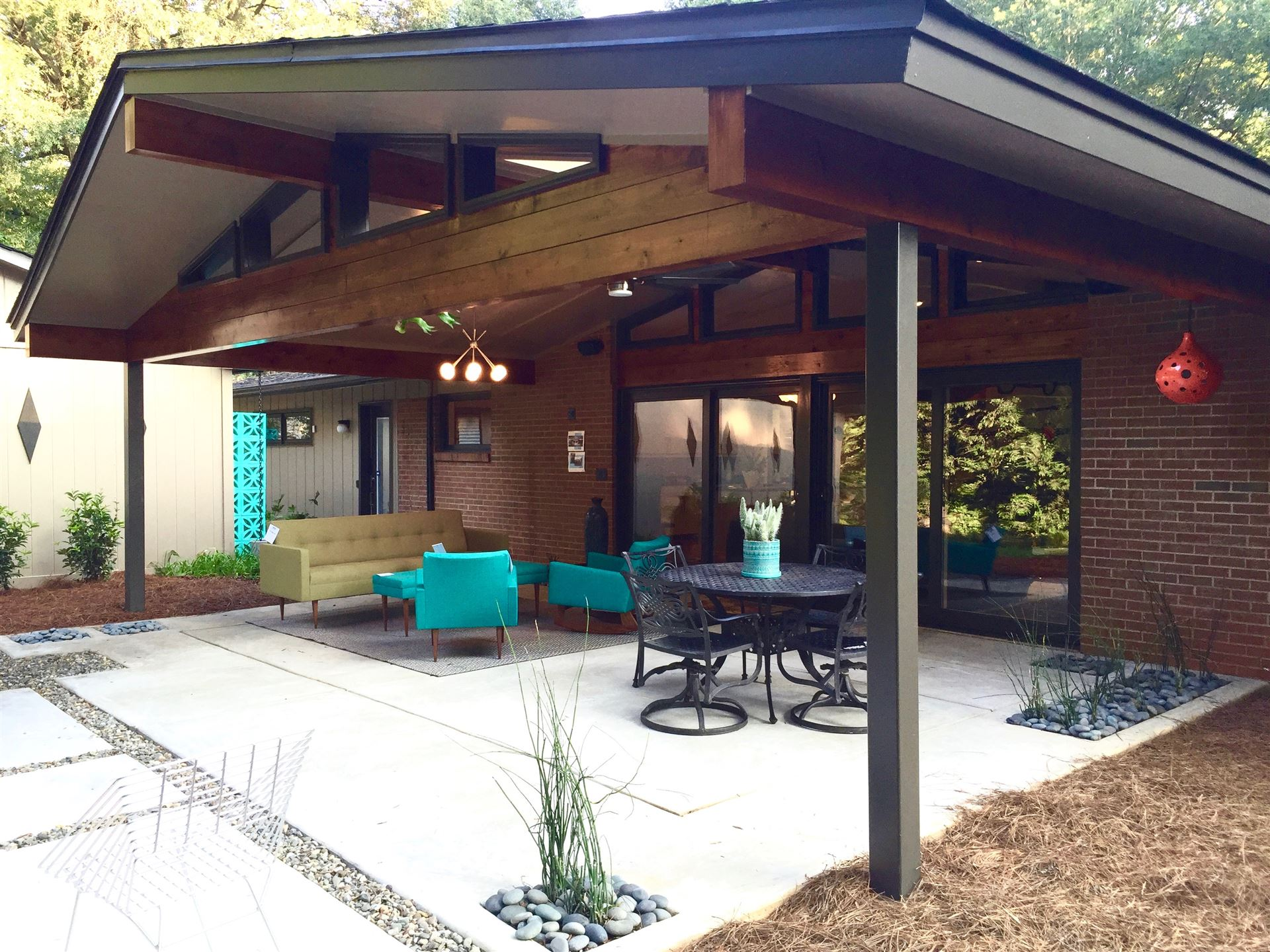 Mid Century Modern Ranch Covered Patio Simple Concrete
