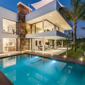 Hollywood Contemporary 7B7B House